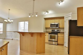 Photo 5: 4606 154 Avenue in Edmonton: Zone 03 House for sale : MLS®# E4185988