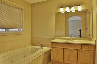 Photo 11: 4606 154 Avenue in Edmonton: Zone 03 House for sale : MLS®# E4185988