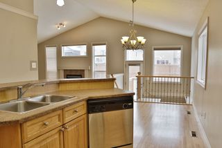 Photo 6: 4606 154 Avenue in Edmonton: Zone 03 House for sale : MLS®# E4185988