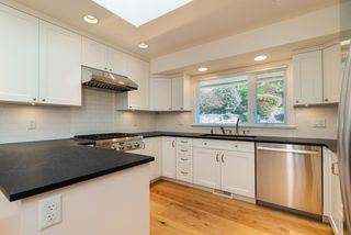Photo 4: 2045 27TH Street in West Vancouver: Queens House for sale : MLS®# R2442969