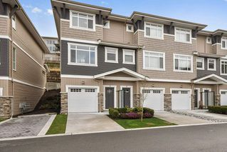 "Photo 1: 18 34230 ELMWOOD Drive in Abbotsford: Central Abbotsford Townhouse for sale in ""TEN OAKS"" : MLS®# R2447846"