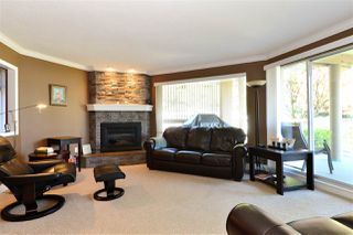 Photo 3: 202 15015 VICTORIA AVENUE: White Rock Condo for sale (South Surrey White Rock)  : MLS®# R2439513
