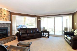 Photo 2: 202 15015 VICTORIA AVENUE: White Rock Condo for sale (South Surrey White Rock)  : MLS®# R2439513