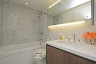 "Photo 14: 311 68 SMITHE Street in Vancouver: Downtown VW Condo for sale in ""One Pacific"" (Vancouver West)  : MLS®# R2466585"