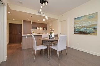"Photo 6: 311 68 SMITHE Street in Vancouver: Downtown VW Condo for sale in ""One Pacific"" (Vancouver West)  : MLS®# R2466585"