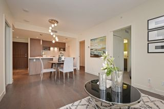 "Photo 4: 311 68 SMITHE Street in Vancouver: Downtown VW Condo for sale in ""One Pacific"" (Vancouver West)  : MLS®# R2466585"