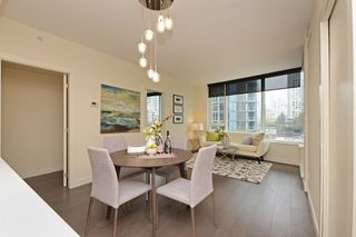 "Photo 7: 311 68 SMITHE Street in Vancouver: Downtown VW Condo for sale in ""One Pacific"" (Vancouver West)  : MLS®# R2466585"