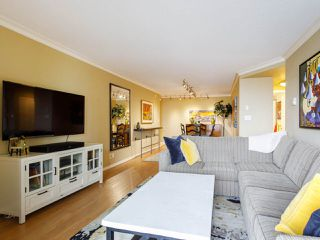 "Photo 4: 704 1575 W 10TH Avenue in Vancouver: Fairview VW Condo for sale in ""TRITON"" (Vancouver West)  : MLS®# R2480004"
