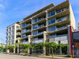 "Main Photo: 407 1808 W 1ST Avenue in Vancouver: Kitsilano Condo for sale in ""FIRST ON FIRST"" (Vancouver West)  : MLS®# R2482491"
