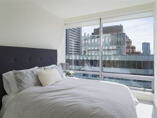 Photo 9: 2308 1111 ALBERNI STREET in Vancouver: West End VW Condo for sale (Vancouver West)  : MLS®# R2483194