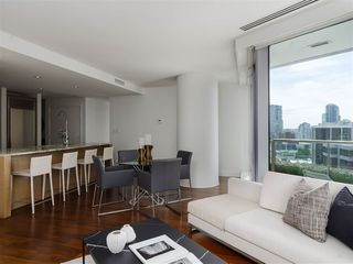 Photo 3: 2308 1111 ALBERNI STREET in Vancouver: West End VW Condo for sale (Vancouver West)  : MLS®# R2483194