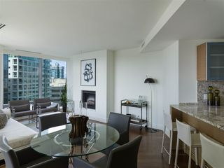 Photo 2: 2308 1111 ALBERNI STREET in Vancouver: West End VW Condo for sale (Vancouver West)  : MLS®# R2483194