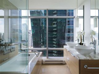 Photo 8: 2308 1111 ALBERNI STREET in Vancouver: West End VW Condo for sale (Vancouver West)  : MLS®# R2483194