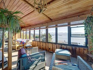 """Photo 17: 1109 POINT Road in Gibsons: Gibsons & Area House for sale in """"HOPKINS BEACH"""" (Sunshine Coast)  : MLS®# R2504996"""