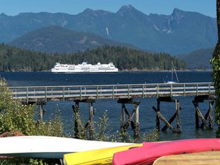 """Photo 16: 1109 POINT Road in Gibsons: Gibsons & Area House for sale in """"HOPKINS BEACH"""" (Sunshine Coast)  : MLS®# R2504996"""