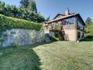 """Photo 14: 1109 POINT Road in Gibsons: Gibsons & Area House for sale in """"HOPKINS BEACH"""" (Sunshine Coast)  : MLS®# R2504996"""