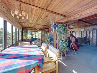 """Photo 22: 1109 POINT Road in Gibsons: Gibsons & Area House for sale in """"HOPKINS BEACH"""" (Sunshine Coast)  : MLS®# R2504996"""