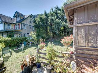 """Photo 13: 1109 POINT Road in Gibsons: Gibsons & Area House for sale in """"HOPKINS BEACH"""" (Sunshine Coast)  : MLS®# R2504996"""
