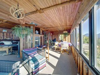 """Photo 20: 1109 POINT Road in Gibsons: Gibsons & Area House for sale in """"HOPKINS BEACH"""" (Sunshine Coast)  : MLS®# R2504996"""