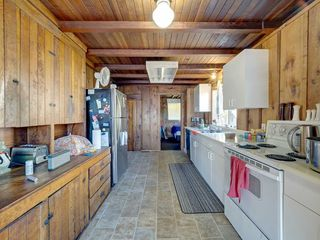 """Photo 24: 1109 POINT Road in Gibsons: Gibsons & Area House for sale in """"HOPKINS BEACH"""" (Sunshine Coast)  : MLS®# R2504996"""