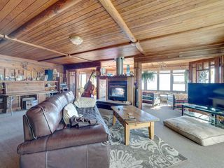 """Photo 18: 1109 POINT Road in Gibsons: Gibsons & Area House for sale in """"HOPKINS BEACH"""" (Sunshine Coast)  : MLS®# R2504996"""