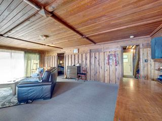 """Photo 26: 1109 POINT Road in Gibsons: Gibsons & Area House for sale in """"HOPKINS BEACH"""" (Sunshine Coast)  : MLS®# R2504996"""