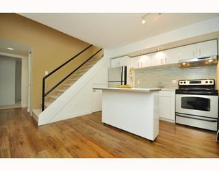 """Photo 20: # 33 870 W 7TH AV in Vancouver: Fairview VW Townhouse for sale in """"LAUREL COURT"""" (Vancouver West)  : MLS®# V786328"""