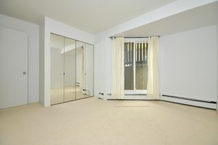 """Photo 7: # 33 870 W 7TH AV in Vancouver: Fairview VW Townhouse for sale in """"LAUREL COURT"""" (Vancouver West)  : MLS®# V786328"""