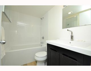"""Photo 26: # 33 870 W 7TH AV in Vancouver: Fairview VW Townhouse for sale in """"LAUREL COURT"""" (Vancouver West)  : MLS®# V786328"""