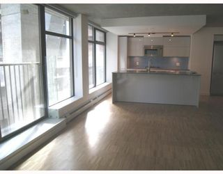 "Photo 2: 305 128 W CORDOVA Street in Vancouver: Downtown VE Condo for sale in ""WOODWARDS W-43"" (Vancouver East)  : MLS®# V790327"