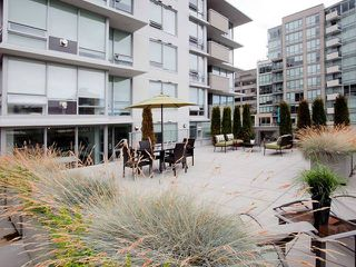 "Photo 1: 307 1675 W 8TH Avenue in Vancouver: Fairview VW Condo for sale in ""CAMERA"" (Vancouver West)  : MLS®# V847637"