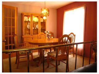 Photo 3: 884 BEECHER Avenue in WINNIPEG: West Kildonan / Garden City Residential for sale (North West Winnipeg)  : MLS®# 2820008