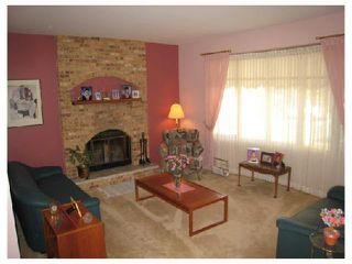 Photo 2: 884 BEECHER Avenue in WINNIPEG: West Kildonan / Garden City Residential for sale (North West Winnipeg)  : MLS®# 2820008