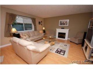 Photo 4: 6 2871 Peatt Rd in VICTORIA: La Langford Proper Row/Townhouse for sale (Langford)  : MLS®# 483983