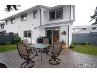 Photo 1: 6 2871 Peatt Rd in VICTORIA: La Langford Proper Row/Townhouse for sale (Langford)  : MLS®# 483983