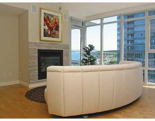 "Photo 3: 703 1281 W CORDOVA Street in Vancouver: Coal Harbour Condo for sale in ""Callisto"" (Vancouver West)  : MLS®# V766001"