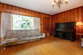 Photo 2: 1221 SHAVINGTON Street in North Vancouver: Calverhall House for sale : MLS®# R2411080