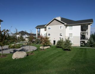 Photo 20: 1120 2371 EVERSYDE Avenue SW in CALGARY: Evergreen Condo for sale (Calgary)  : MLS®# C3391608