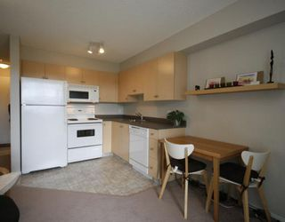 Photo 4: 1120 2371 EVERSYDE Avenue SW in CALGARY: Evergreen Condo for sale (Calgary)  : MLS®# C3391608