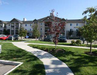Photo 3: 1120 2371 EVERSYDE Avenue SW in CALGARY: Evergreen Condo for sale (Calgary)  : MLS®# C3391608