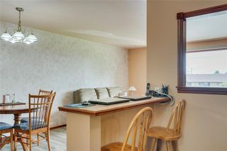 Photo 11: 716 HUNTS Crescent NW in Calgary: Huntington Hills Detached for sale : MLS®# C4299076