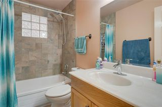 Photo 20: 716 HUNTS Crescent NW in Calgary: Huntington Hills Detached for sale : MLS®# C4299076