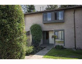 """Photo 1: 21 3190 TAHSIS Avenue in Coquitlam: New Horizons Townhouse for sale in """"NEW HORIZONS ESTATES"""" : MLS®# V783337"""