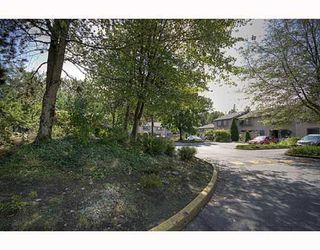 """Photo 2: 21 3190 TAHSIS Avenue in Coquitlam: New Horizons Townhouse for sale in """"NEW HORIZONS ESTATES"""" : MLS®# V783337"""