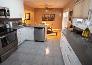 Photo 8: 111 Cornwallis Drive NW in Calgary: Cambrian Heights Detached for sale : MLS®# A1019676