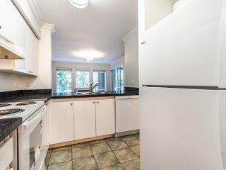 "Photo 4: 109 1189 WESTWOOD Street in Coquitlam: North Coquitlam Condo for sale in ""LAKESIDE TERRACE"" : MLS®# R2483775"