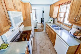 Photo 8: 2216 Hunt Crescent in Burlington: Headon House (2-Storey) for sale : MLS®# W4891584