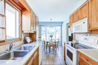 Photo 7: 2216 Hunt Crescent in Burlington: Headon House (2-Storey) for sale : MLS®# W4891584