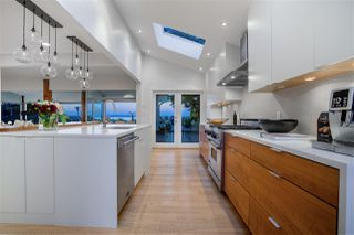 Photo 4: 218 CENTENNIAL PARKWAY in Delta: Boundary Beach House for sale (Tsawwassen)  : MLS®# R2494671