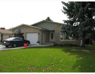 Photo 1: 26 FOREST LAKE Drive in WINNIPEG: Fort Garry / Whyte Ridge / St Norbert Residential for sale (South Winnipeg)  : MLS®# 2919348